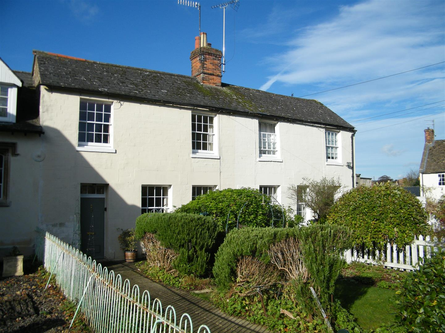 3 Bedrooms Town House for sale in The Green, Calne